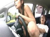 Girl Gets Fucked Wile Driving Car